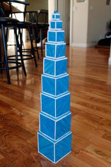 hoàn thành mô hình tháp hồng Montessori