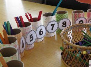 tự làm hộp que đếm montessori tại nhà