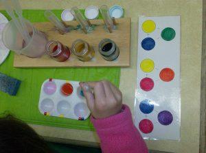 Pha màu color mixing Montessori